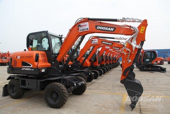 斗山27台挖掘机即将发往安哥拉