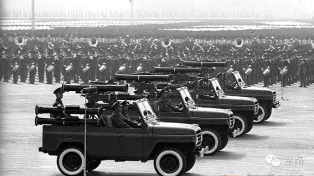 中国二炮导弹数量_国庆,有一种震撼叫中国大阅兵!