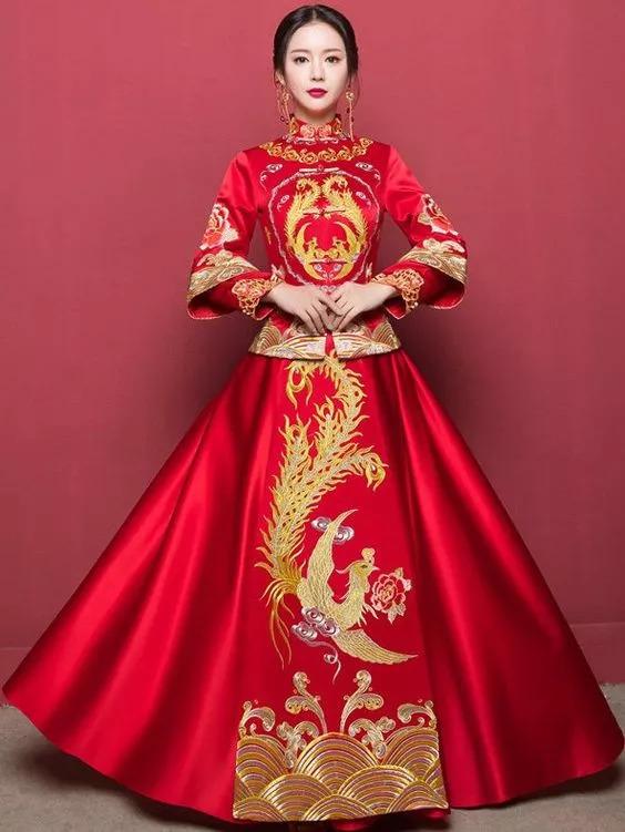 秀禾服;肚子有肉或者懷孕新娘要穿沒有修身設計的版型~ 圓臉新娘或者圖片