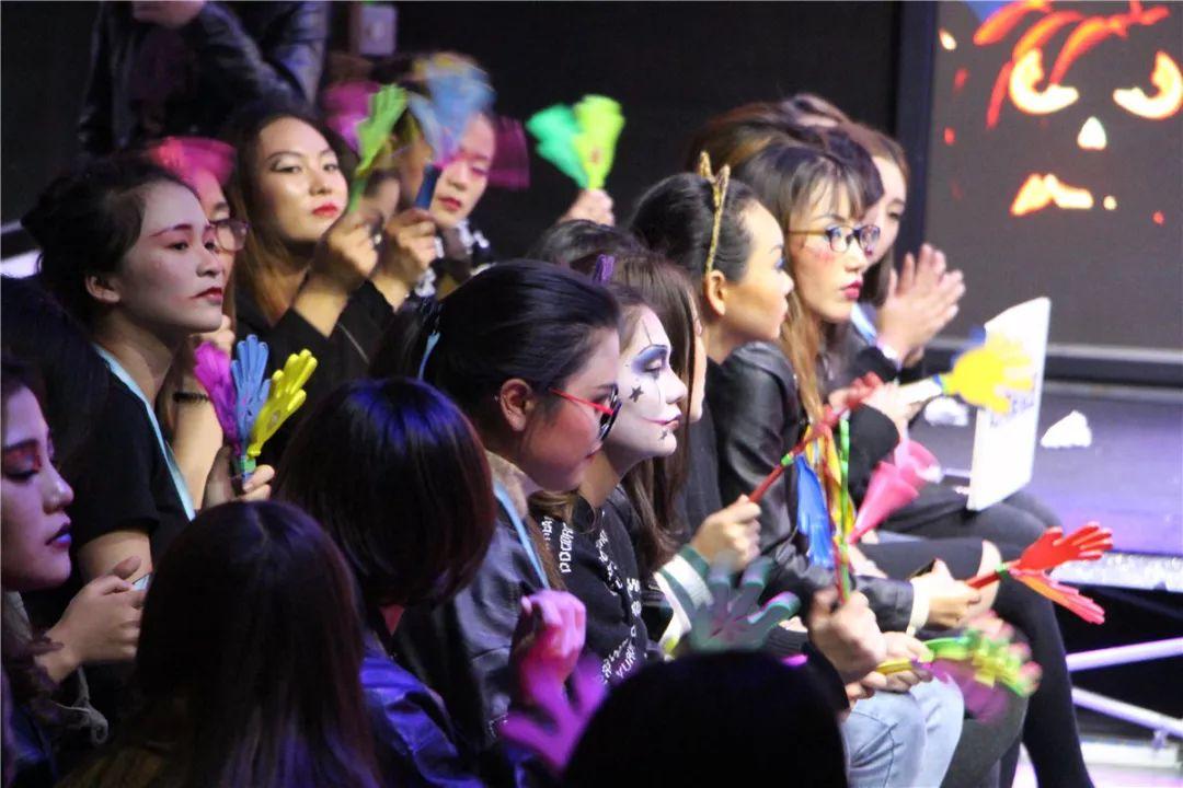 【疯狂万圣节】学喷枪化妆影视特效,就是如此与众不同。