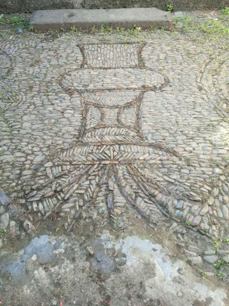连平大湖镇何新屋惊现300年前花灯石饰