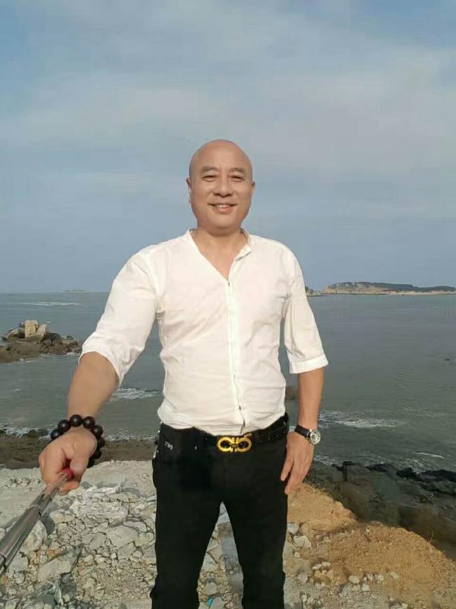 宗族楷模 重庆中台永裕(集团)公司总经理何光灿