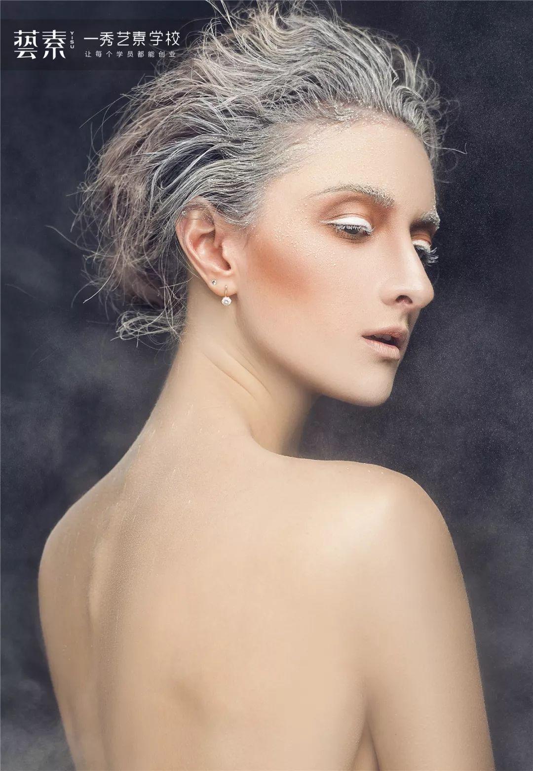 化妆学校:在校生并不比社会从业人员差!!!