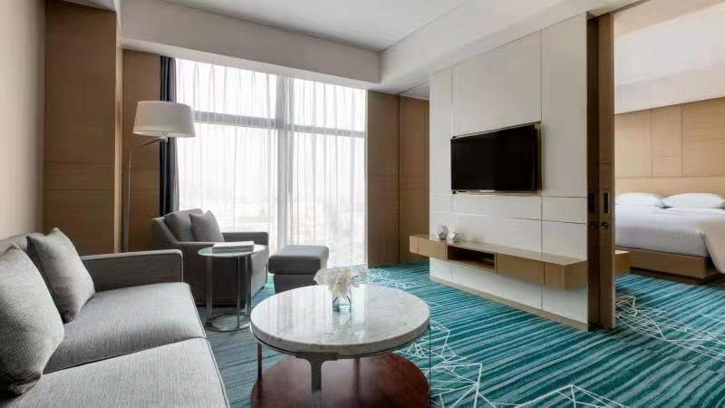7.fuocy_presidential_suite_bedroom.jpg